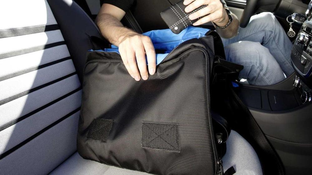 Bonifica ambientale da microspie in borse e porta documenti