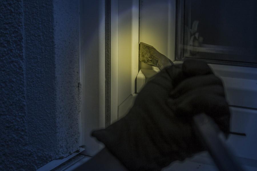 Furto simulato: un modo originale per nascondere una cimice